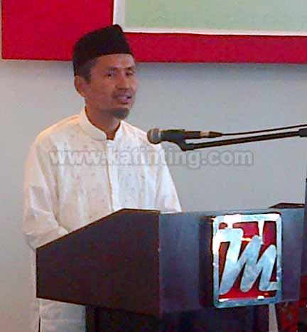 Abdul Aziz Qahhar Mudzakkar Pesan Untuk Santri dan Pemprov Sulbar