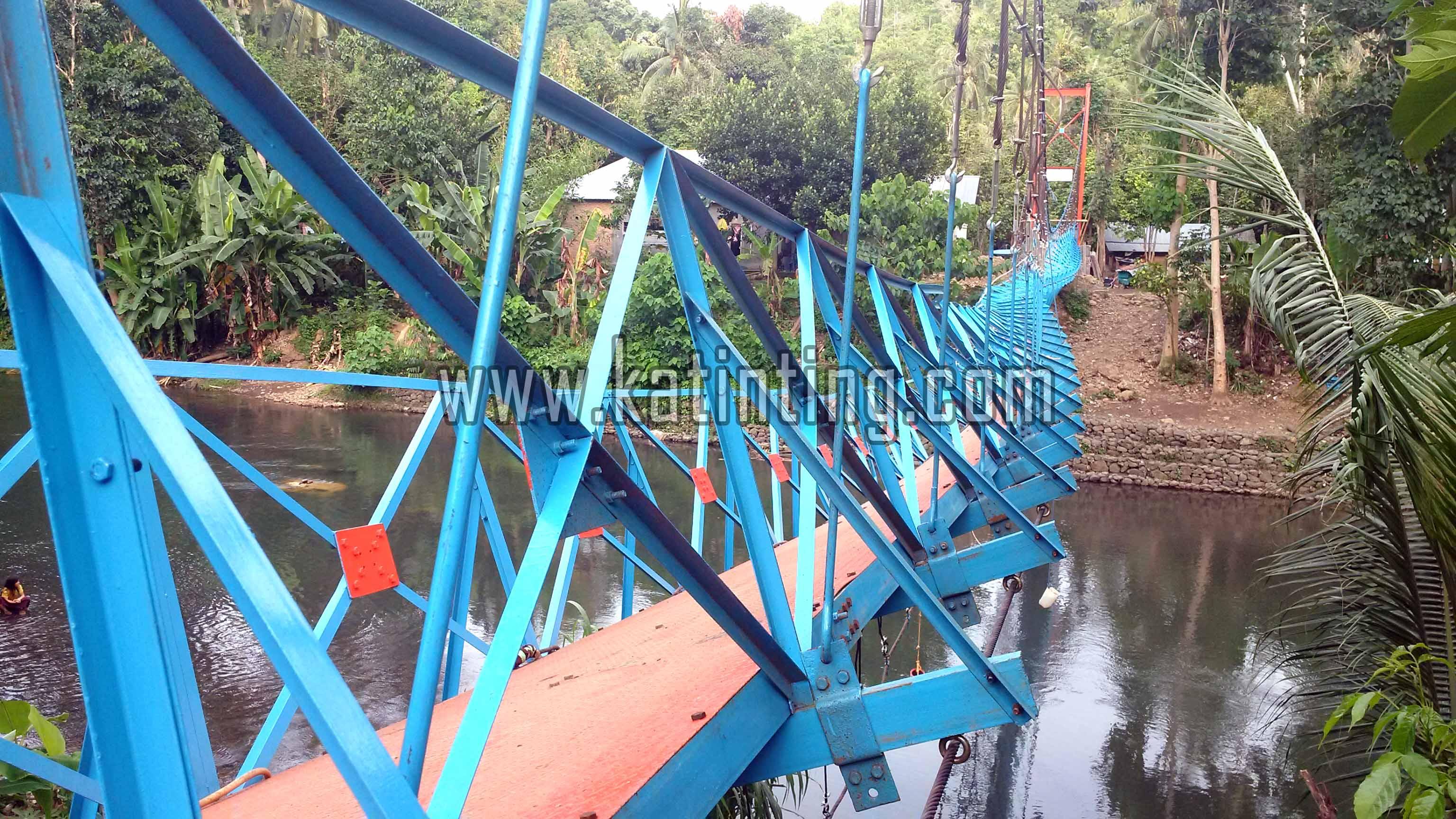 Amruknya Jembatan Gantung Sangkurio Akses Menuju 3 Sekolah Terputus