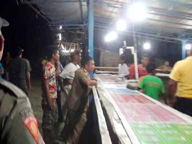 Permainan boling pasar malam yang diduga jadi arena judi