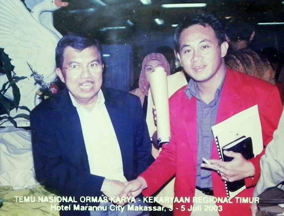 Foto Koleksi Pribadi Sarman SHD bersama Jusuf Kalla saat Temu Nasional Ormas KaryaKekaryaan Regional Timur