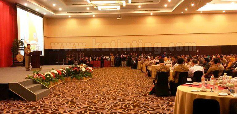 Gubernur Sulbar menyampaikan Sambutan Dalam Musrenbang 2016