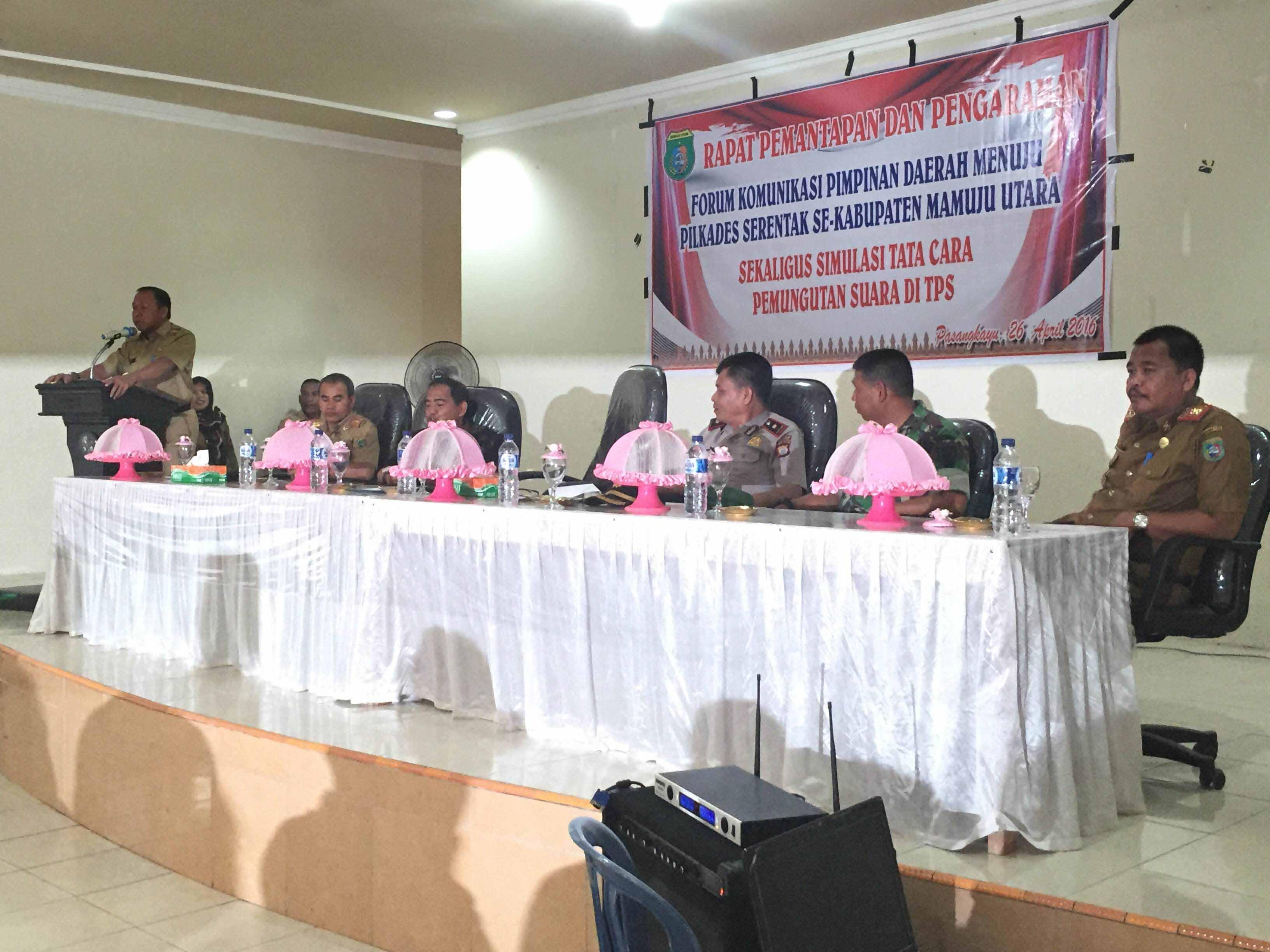 Rapat pemantapan pelaksanaan Pilkades Matra yang dihadiri oleh semua calon Kades