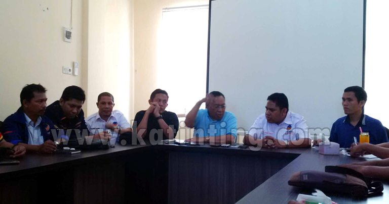 Jumpa Pers Malka Amin di Dampingi pengurus DPW Nasdem Sulbar