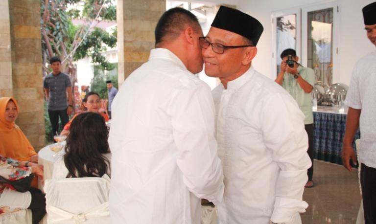 Habsi Wahid saat menerima undangan buka puasa bersama