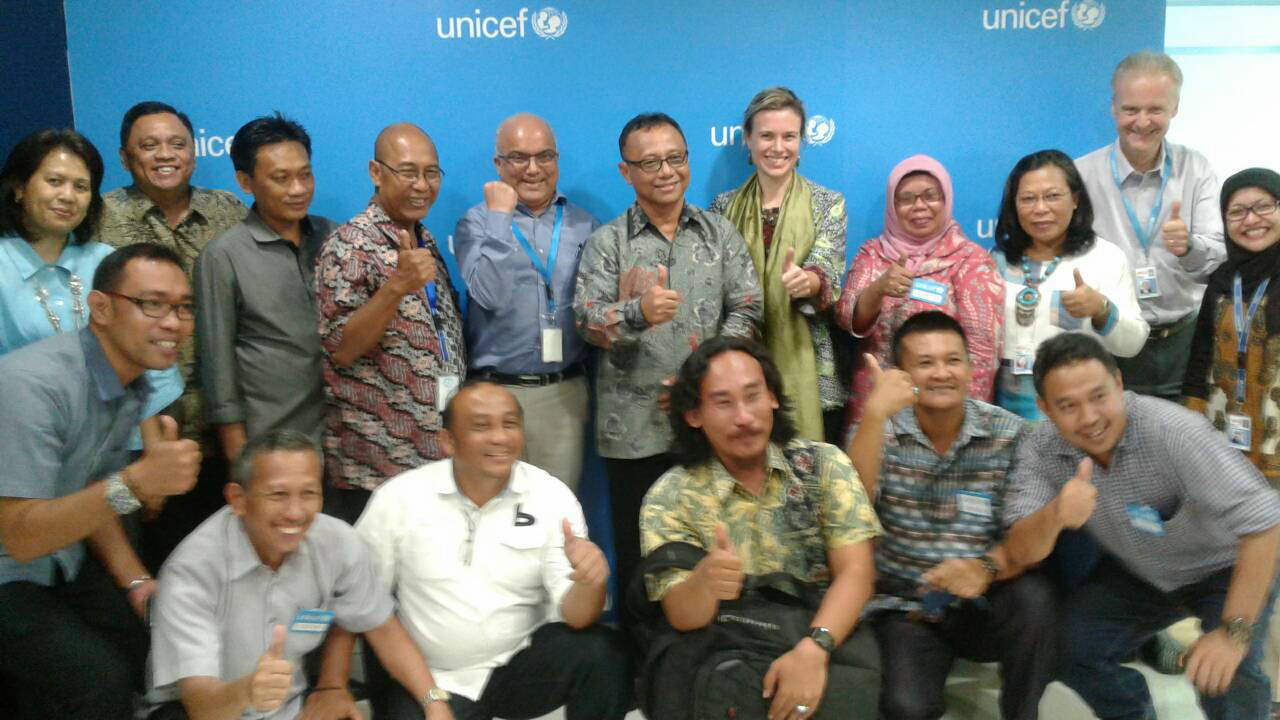 Foto bersama dengan UNICEF