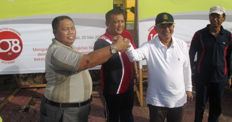 Salam komando Bupati Polman, H. Andi Ibrahim Masdar, kepala perwakilan Ombudsman Sulbar, Lukman Umar, kepala kejaksaan negeri Polman Muhammad Rudi