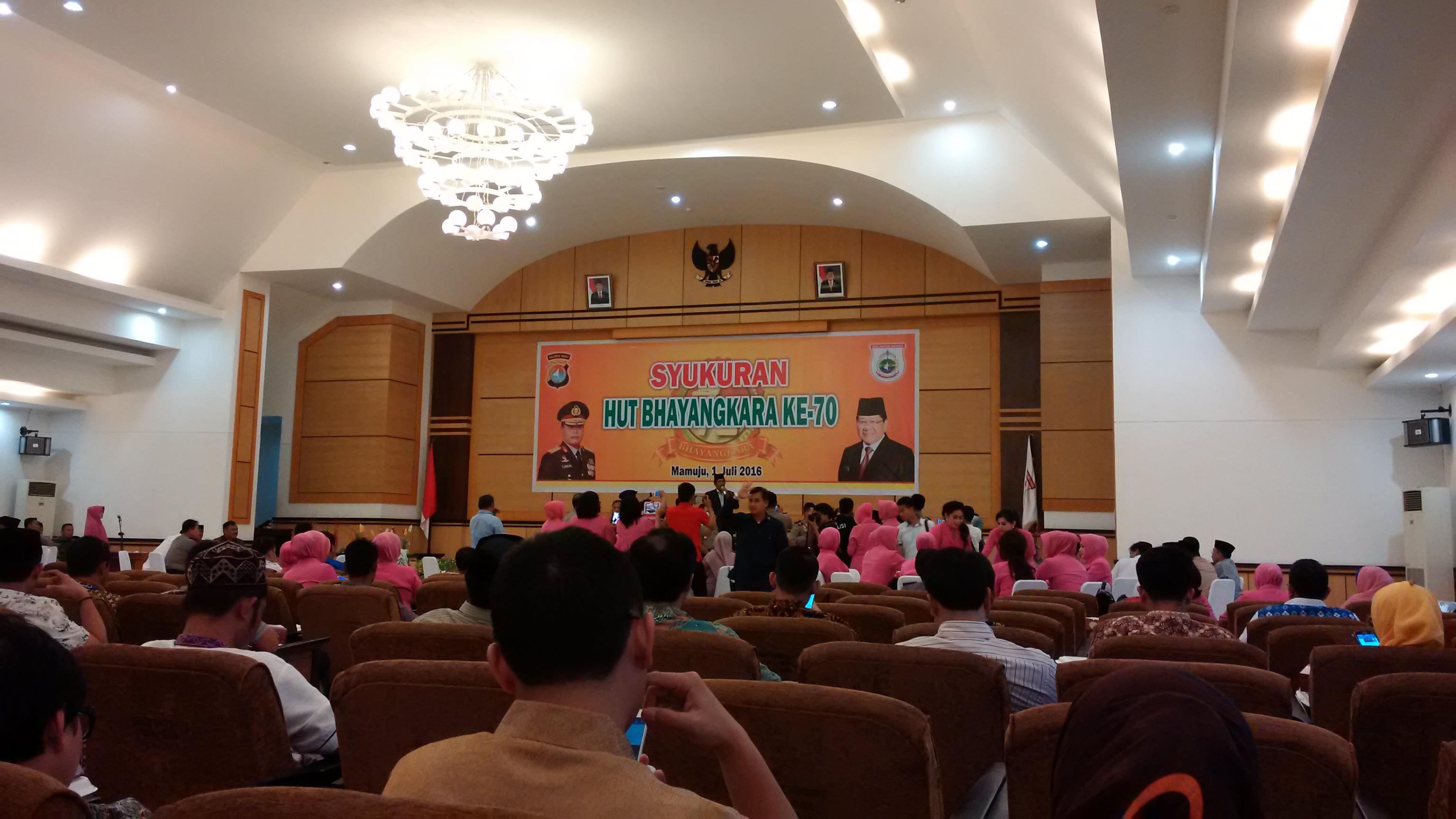 Suasana Perayaan HUT Bhayangkara Ke 70 di Kantor Gubernur Sulbar