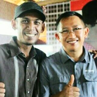 Maenunis Amin Direktur Logos bersama Eap Saifullah Fatah Direktur PolMark Indonesia