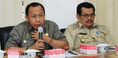 Bupati Matra Agus Ambo Djiwa dan Wakilnya Muhammad Saal