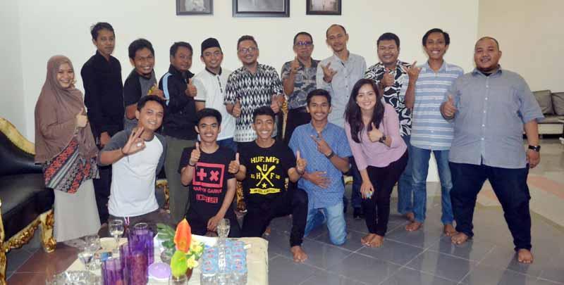 Wakil bupati Mamuju rfoto bersama pengurus dan Alumni IPMAJU