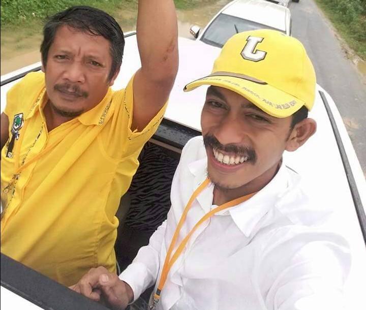 Foto Irfandi Y (baju putih) bersama Ahdar saat mengantar pasangan Salim dan Hasanuddin ke KPU Sulbar