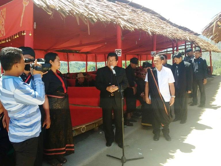 Gubernur Sulbar memberi sambutan wafatnya Victor Paotonan di Mamasa