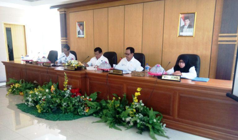 Rapat yang dipimpin Gubernur Sulbar