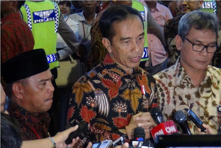 Ketua Adkasi bersama Presiden saat memberikan keterangan pers