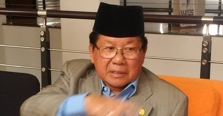 Gubernur Sulawesi Barat, H. Anwar Adnan Saleh