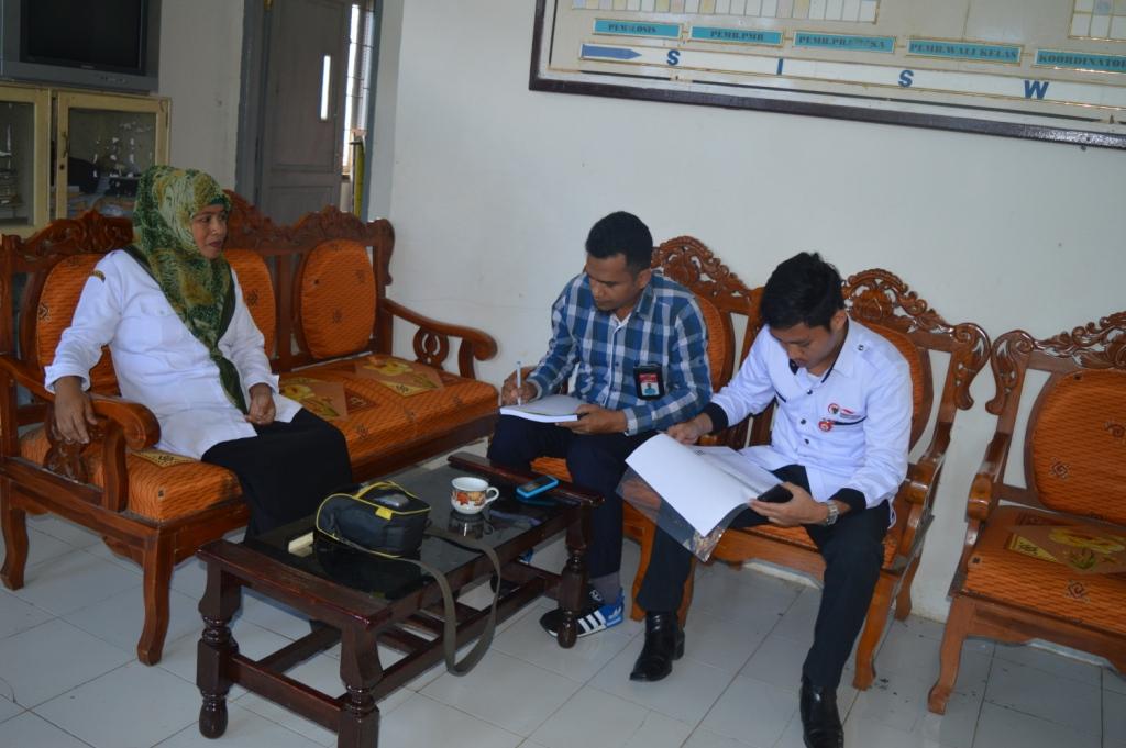 Tim On The Spot Ombudsman Sulbar dan Bendahara Dana Bom SMP Negeri 1 Tapalang